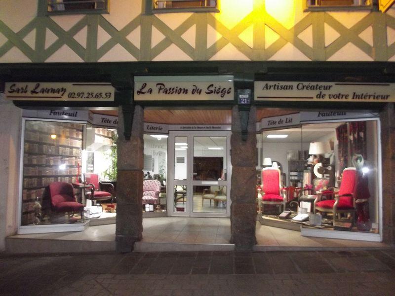 photo de la vitrine du magasin de Pontivy